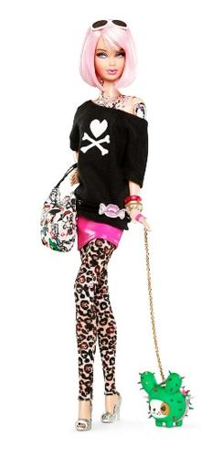 Barbie tatuada e com roupas da Tokidoki